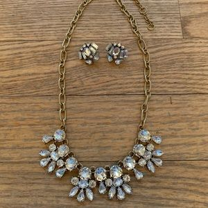 🌟J CREW STATEMENT NECKLACE & EARRINGS SET